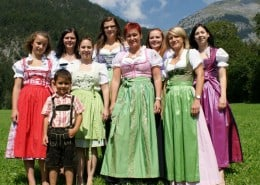 Alex Travel Team in Tracht