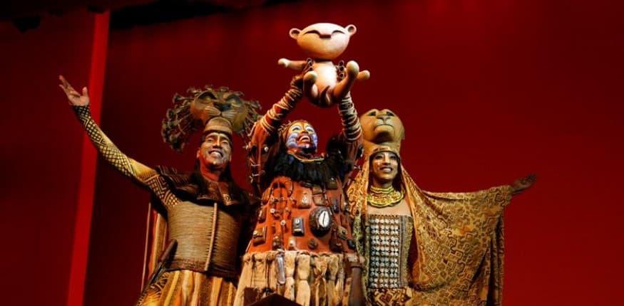 Bühnenbild König der Löwen Simba ist geboren